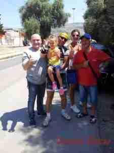 Nella foto: Fabio Di Rosolini insieme alla moglie Raffaela, la figlia Serena, il padre Giuseppe e il cugino Corrado.