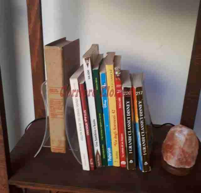 """Nei negozi di Noto prende piede l'iniziativa """"Lascia un libro, prendi un libro"""""""
