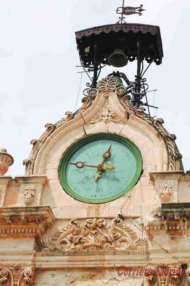 2.500 euro per la manutenzione annuale dell'orologio di piazza Garibaldi