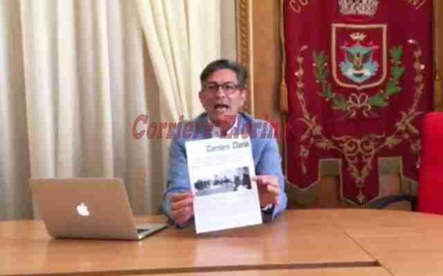 """Calvo risponde con un video agli 8 consiglieri dell'ex maggioranza: """"Vergogna"""""""