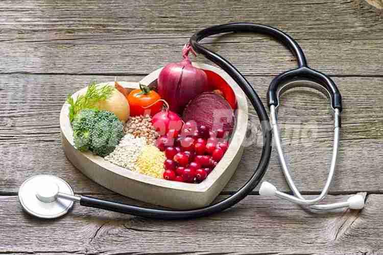 Colesterolo alto: corriamo ai ripari con la giusta alimentazione