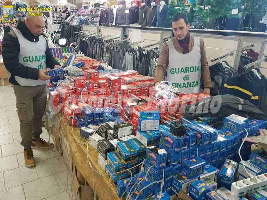Maxi sequestro di articoli natalizi e giocattoli non sicuri tra Modica, Pozzallo, Ragusa e Vittoria