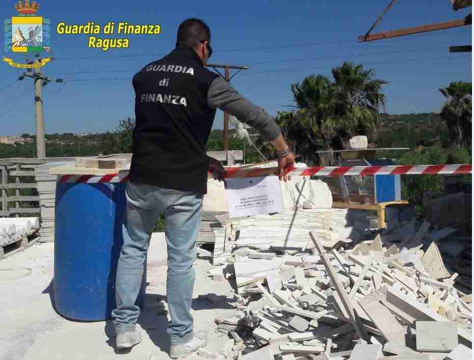 Guardia di Finanza, sequestrate tre discariche abusive tra Ispica e Pozzallo