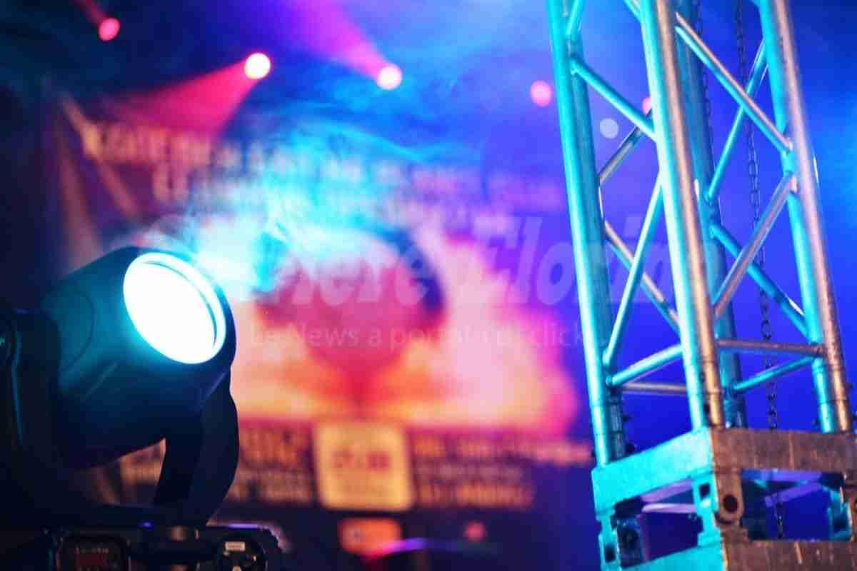 Noleggio impianto audio-luci per tre serate, 1.100 euro a ditta di Pozzallo
