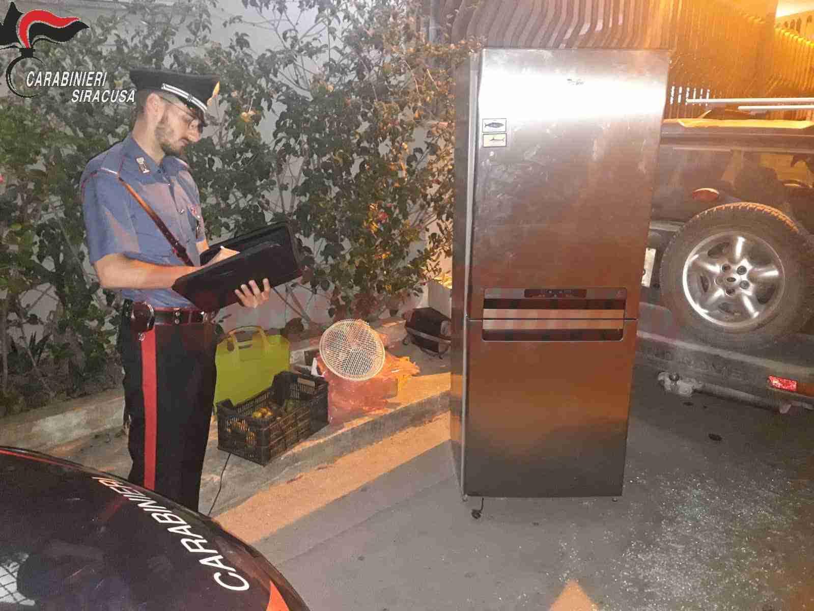 Noto, scoperti a rubare un frigorifero e altri utensili da un'abitazione, arrestati dai Carabinieri
