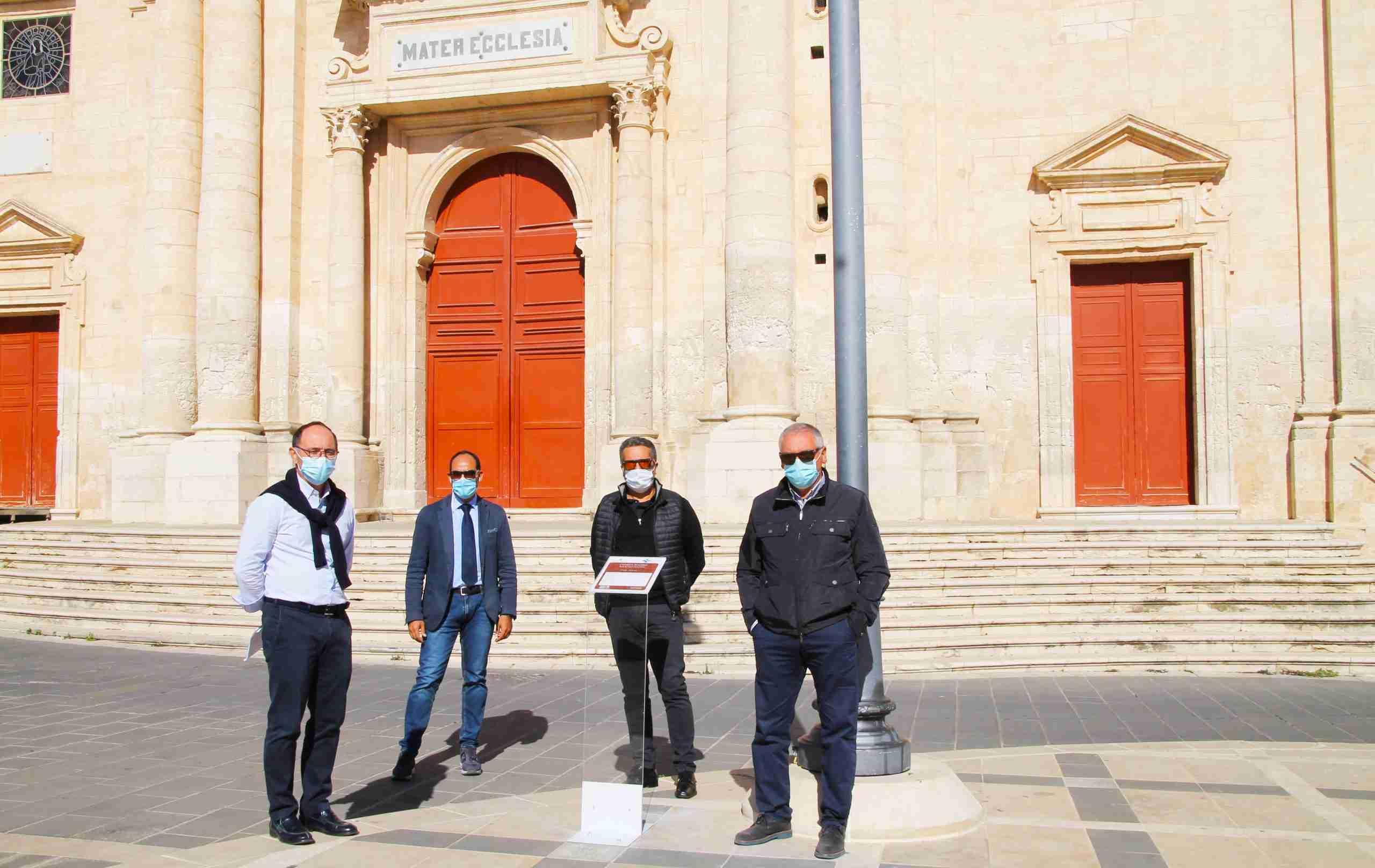 """La Giunta comunale presenta le stele turistiche alla città: """"Progetto in sinergia con la Commissione Cultura"""""""