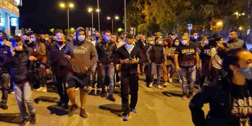 Anche a Siracusa proteste contro il Dpcm, ristoratori e gestori di palestre scendono in Piazza Duomo