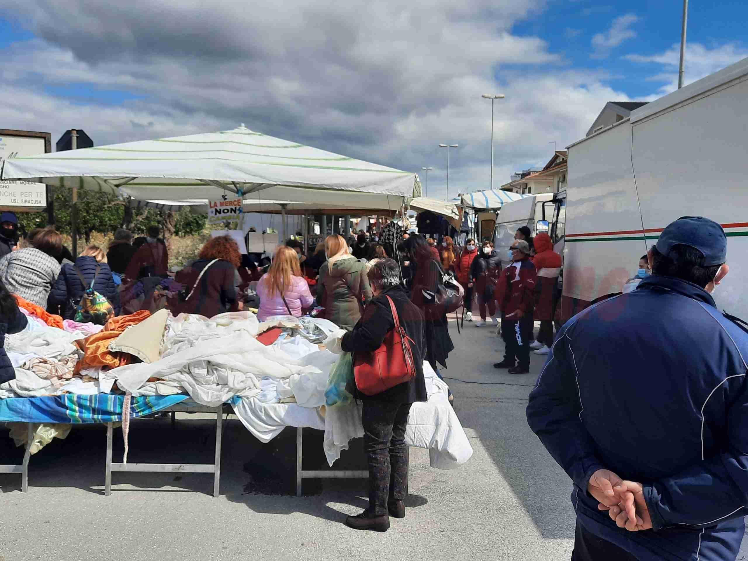 Fiera mercato, venerdì 7 maggio rimane sospeso il reparto non alimentare