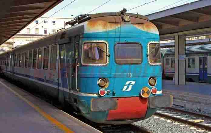 """Niente treni da Siracusa a Catania dal 13 giugno al 31 luglio, Azione Catania: """"Periodo sbagliato per i lavori"""""""