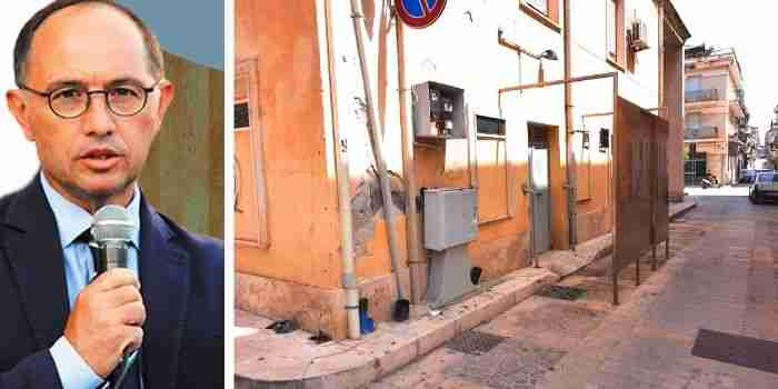 """Incatasciato sulla chiusura dei bagni pubblici: """"Il Commissario elimina il problema invece di affrontarlo"""""""
