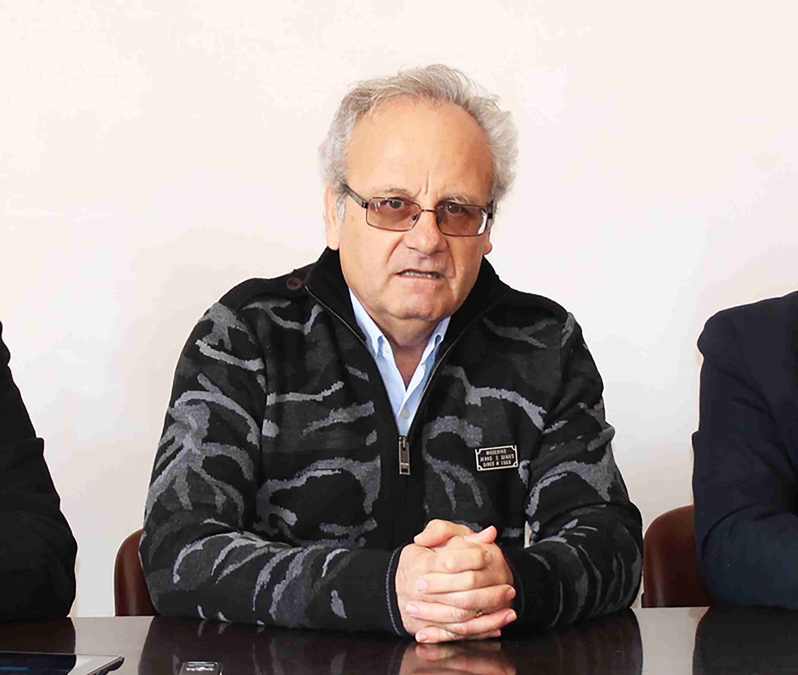 """Il prof. Rizza """"ferito"""" risponde a Pinello Gennaro: """"A giugno mi avevi detto che ero il tuo maestro"""""""